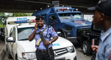 Un Tribunal Annule la Caution de Trois Militants Suite au Recours du Procureur