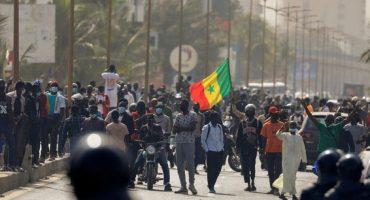Situation Préoccupante au Sénégal; Deux Manifestants Tués, Double Suspension des Chaînes de Télévision et Une Radio Saccagée